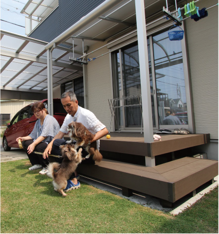 愛犬たちが元気に安心して走りまわれる、快適で愉しい家づくり。