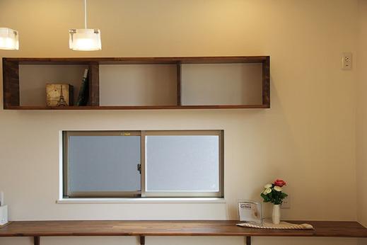 したがって、窓を樹脂にする事で      断熱性能は高まり      冷房の効率も良くなり      家庭の省エネの実現ができます