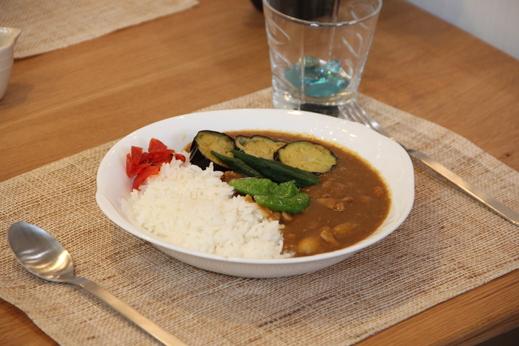 ちなみにこちらお写真は社長手作りの野菜カレーになります!    ナイスホームでは社長が社員にカレーをふるまうカレーの日があり、  私はいつも楽しみにしております(*^_^*)            今後も随時、更新していきたいと思います!前回のブログはこちら↓   https://www.nicehome-anjo.jp/blog.php/v/31/