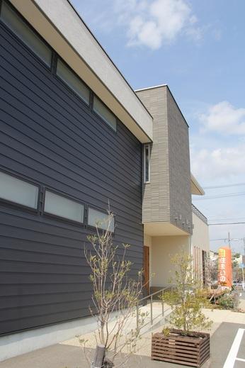 新築住宅をご希望の方      リフォームをご希望の方      住まいのメンテナンスを      ご検討の方      ナイスホームにお気軽に      ご相談くださいませ
