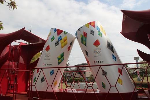 本当にオリンピックが      開催されるか不安ですね      コロナは心配ですが      個人的には開催し      世界が少しでも元気になればと思います