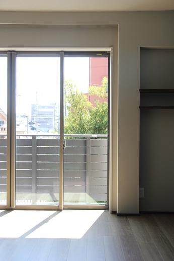 K・Y様邸は築40年      リノベーション工事をするまでの      住まいの悩みの中に      『窓』に関係するものも      たくさんありました