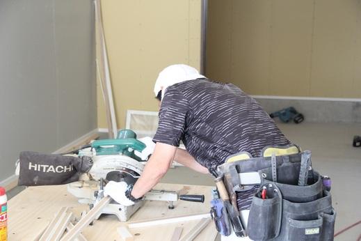 棟梁の柴田さんも      頑張っていました            建築業界では      ウッドショックや半導体問題      課題は山積みの今日この頃      たまには現場に顔を出し      職人さんたちと話をすると      落ち着きます