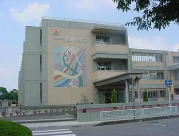 桜町小学校・・徒歩約7分
