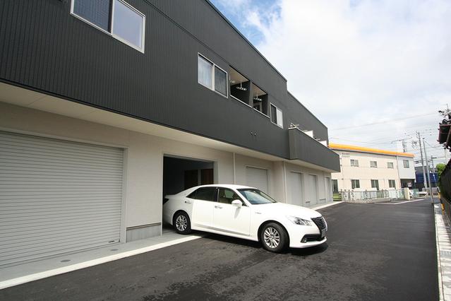【入居者募集】車好きに嬉しいガレージハウス